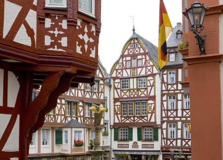 moseltal: Bernkastel, Rheinland Pfalz, Germany Stock Photo