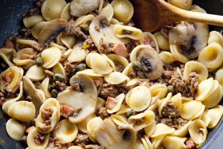 champignons: pasta orecchiette with bacon and champignons