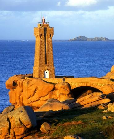 ploumanach: Pors Kamor lighthouse, Ploumanach, Brittany, France