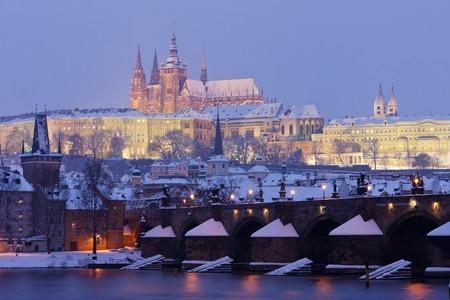 r�publique  tch�que: Hradcany avec pont Charles en hiver, Prague, R�publique tch�que  Banque d'images