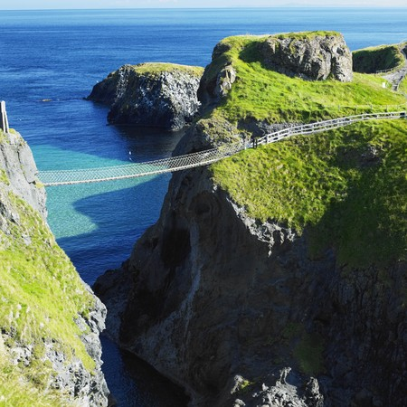 Carrick-a-rede Rope Bridge, County Antrim, Northern Ireland Stock Photo - 8218294