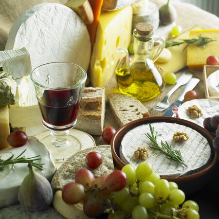 fichi: formaggio still life con vino rosso Archivio Fotografico