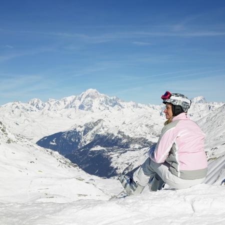 donna sciatore, montagne delle Alpi, Savoie, France