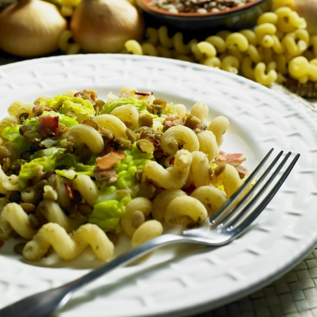 savoy cabbage: pasta with lentil and savoy cabbage