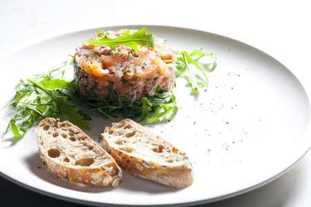 ruccola: salmon tartare with ruccola