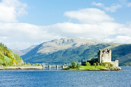 scotland landscape: Eilean Donan Castle, Loch Duich, Scotland