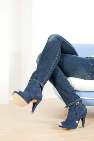 detalle de mujer zapatos azul
