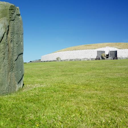 county meath: Newgrange, County Meath, Ireland Stock Photo