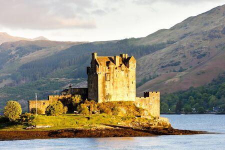 great lakes: Eilean Donan Castle, Loch Duich, Scotland