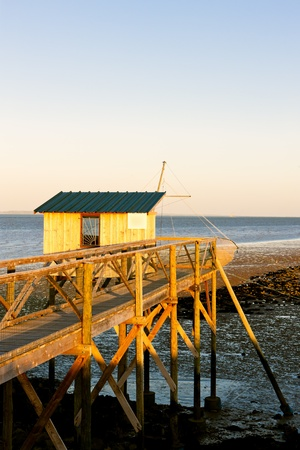gironde department: pier with a fishing house, Gironde Department, Aquitaine, France Stock Photo
