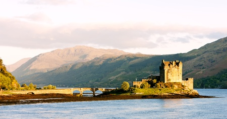 loch: Eilean Donan Castle, Loch Duich, Scotland