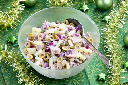 potato tuna: Mediterranean potato salad with tuna fish