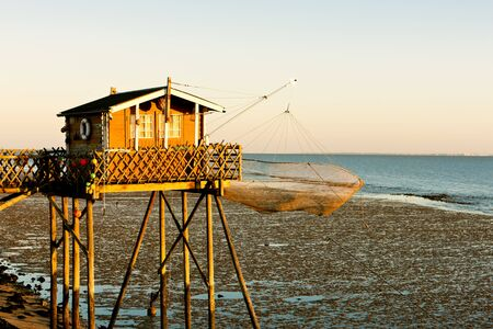 aquitaine: fishing house with fishing net, Gironde Department, Aquitaine, France Stock Photo
