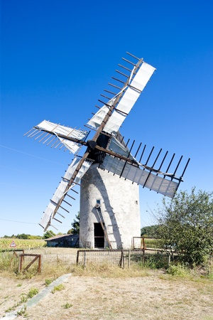 gironde department: windmill, Vensac, Aquitaine, France