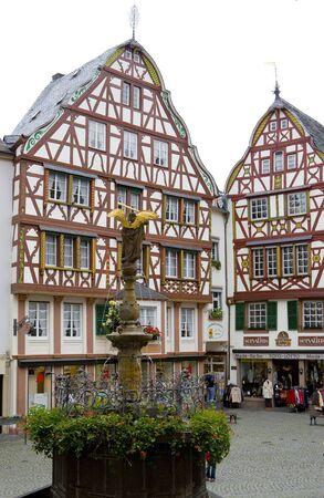 moseltal: Bernkastel, Rheinland Pfalz, Germany Editorial