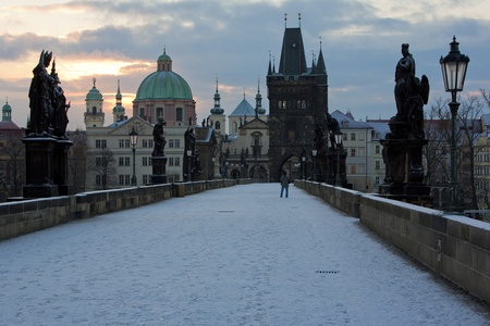 Puente de Carlos en invierno, Praga, Rep�blica Checa photo