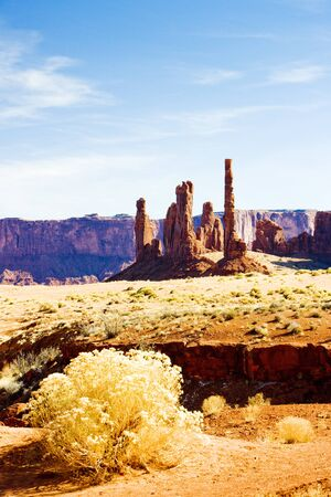 The Totem Pole, Monument Valley National Park, Utah-Arizona, USA photo