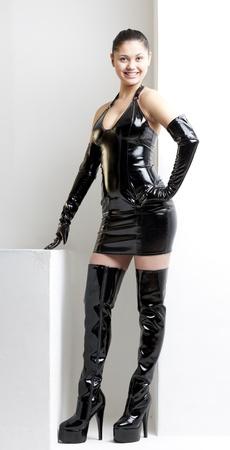 mujer de pie vistiendo ropas extravagantes Foto de archivo - 17717755