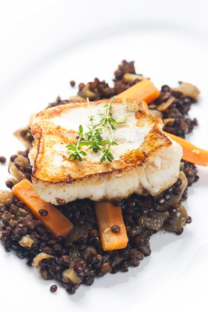 pikeperch: pikeperch fillet with lentils and carrot