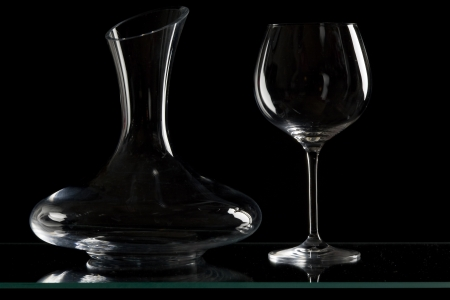 ilustrations: wine glass with carafe