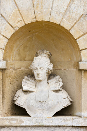 queen elizabeth: bust of Queen Elizabeth, Stowe, Buckinghamshire, England