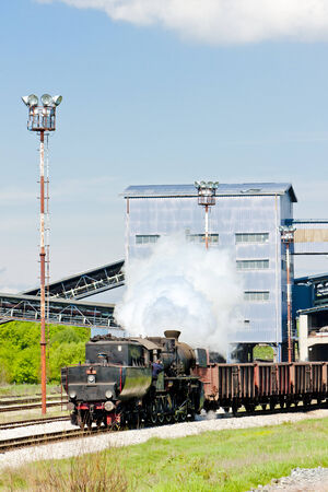 bosna: vapore treno merci nella regione di Tuzla, Bosnia-Erzegovina