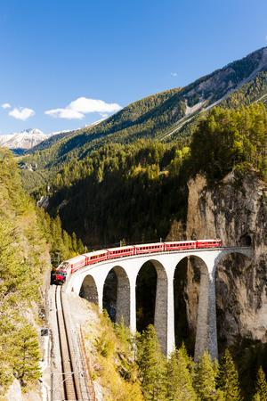 canton: train on Rhaetian Railway, Landwasserviadukt, canton Graubunden, Switzerland