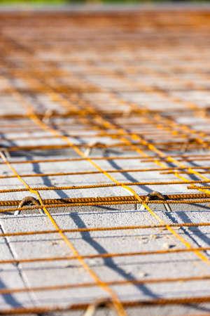 strut: construction of a house