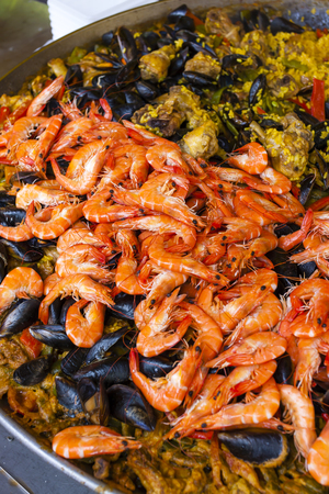 alpes: Paella with seafood, market in Nyons, Rhone-Alpes, France Stock Photo