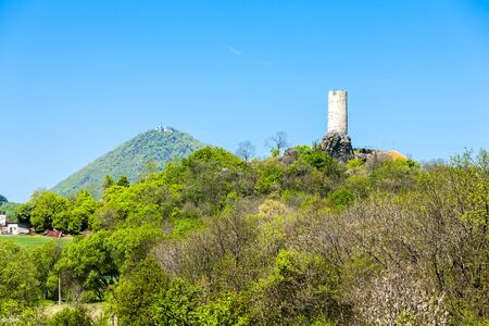 ceske: ruins of Skalka Castle near Vlastislav, Ceske stredohori, Czech Republic Stock Photo