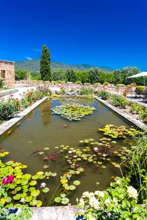 lourmarin: garden  Lourmarin, Provence, France