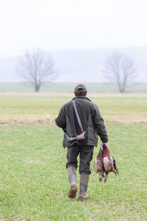 atrapar: cazador con un ret�n