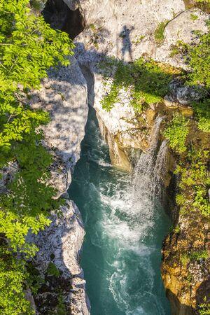 Waterfall to rriver Soca, Velika korita Soce, Triglavski national park, Slovenia 免版税图像