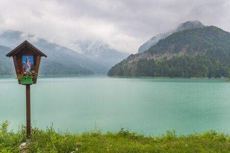 Lago vicino a Sauris di sotto, Friuli-Venezia Giulia, Italia