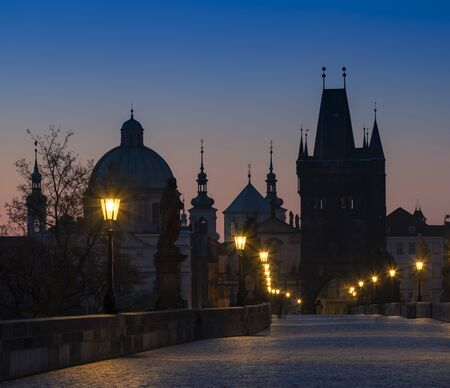 Charles bridge at Sunrise, Prague, Czech Republic 版權商用圖片