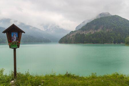 Lake near Sauris di sotto, Friuli-Venezia Giulia, Italy Archivio Fotografico