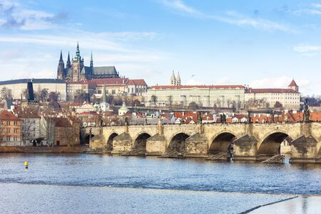 Hradcany with Charles bridge, Prague, Czech Republic 版權商用圖片