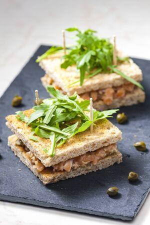 salmon tartare in toast bread