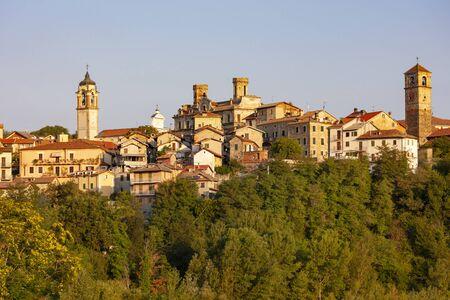 town Molare in Piedmont, Italy 免版税图像