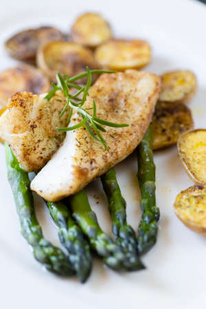 cod with green aparagus and roasted potatoes