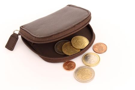 monedero con algunas monedas