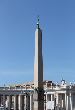 st  peter s square: Obelisk in St  Peter s square