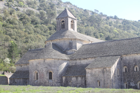 senanque: Senanque Abbey in Provence, France
