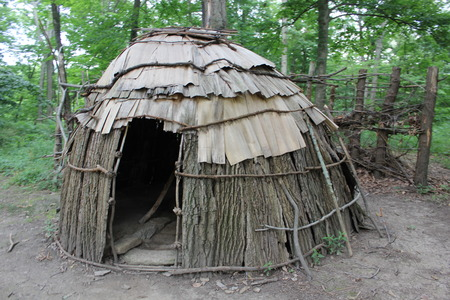 An exhibit displaying Native American housing (Wigwam) at Fort Ancient