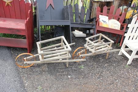 アーミッシュの村で伝統的な手作り木製のカート 写真素材