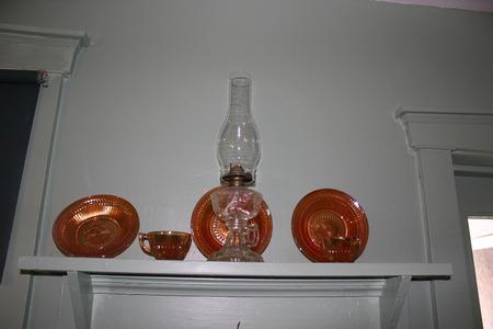伝統的なオイルランプおよびアマン派の家の成果物