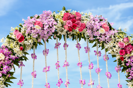 flower setting for wedding ceremony
