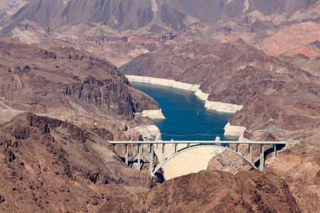 hoover: View of the Hoover dam and bridge