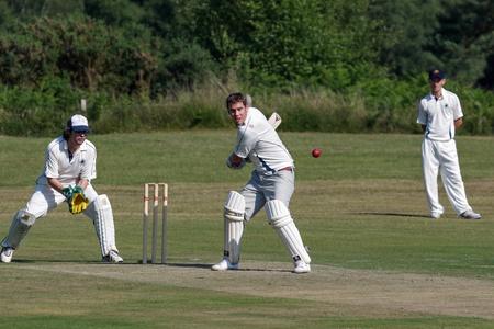 Village de cricket se joue chez Hatch de Coleman Banque d'images - 37360177