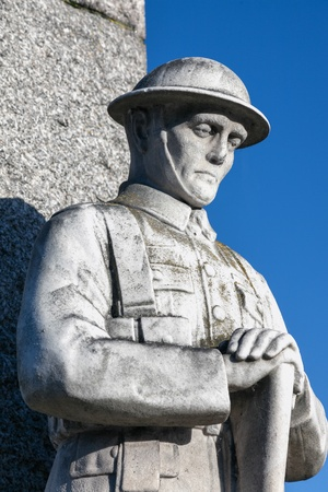 bowed head: Statue of remembrance Editorial